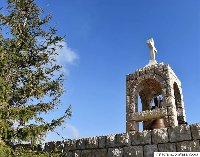 Have a  blessedsunday  church  liveloveehden  sayditelhosn  cross ... (Ehden سيده الحصن)