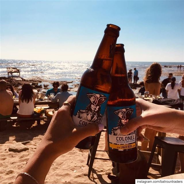 batroun  البترون_سفرة  beach @colonelreefbatroun @colonelbeer  cheers ... (Colonel Beach Bar)