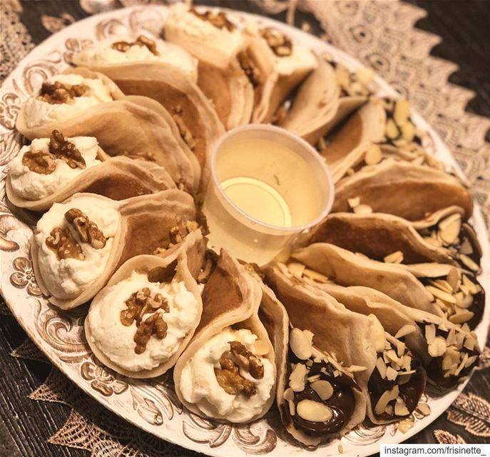 what do you prefer Atayef Ashta Or Nutella ? 🤔🙊...Atayef are lebanese... (Greater Montreal)