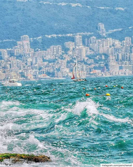 So many details in a pic 💭 sailboats livelovejounieh........@hua (Tabarja Beach)