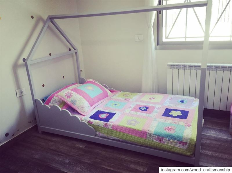 Customized kid's beds. Call us to learn more about the type of wood,... (غراس)