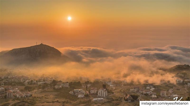 Sunset time from Ehden 😍Credits to @joseph_kanaan ・・・‏... (Ehden, Lebanon)