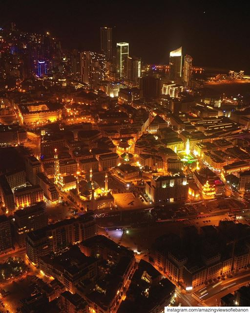 Good night from Beirut's central neighborhood known as a cultural,... (Downtown Beirut)