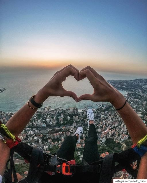 For the love of Paragliding. ❤️🌅 🦅 thenorthface  mikesport  outdoor ... (جونية - Jounieh)