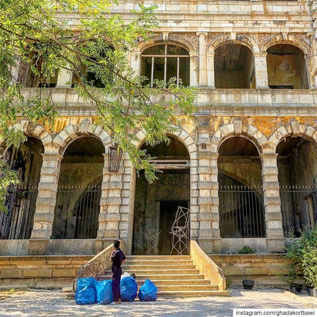Clean out!  mondaymood.... bigcleaning  arches  facade  vintage ... (Sawfar, Mont-Liban, Lebanon)