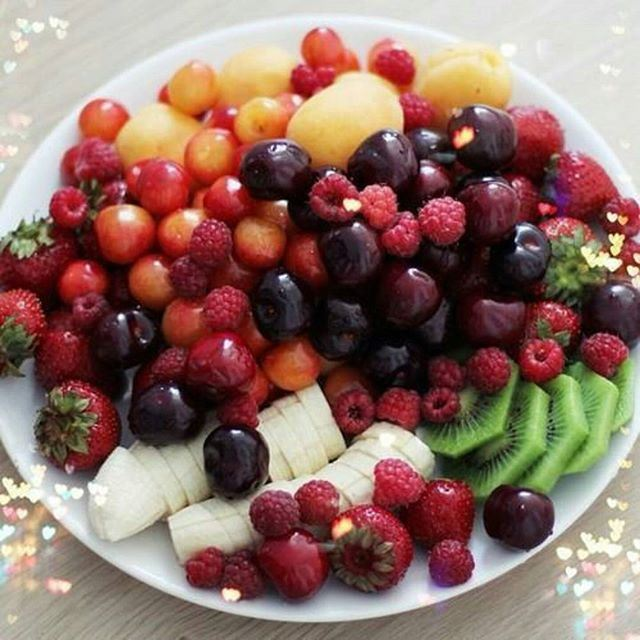 I need to start my diet !!! what about fresh fruit platter  for dinner ????