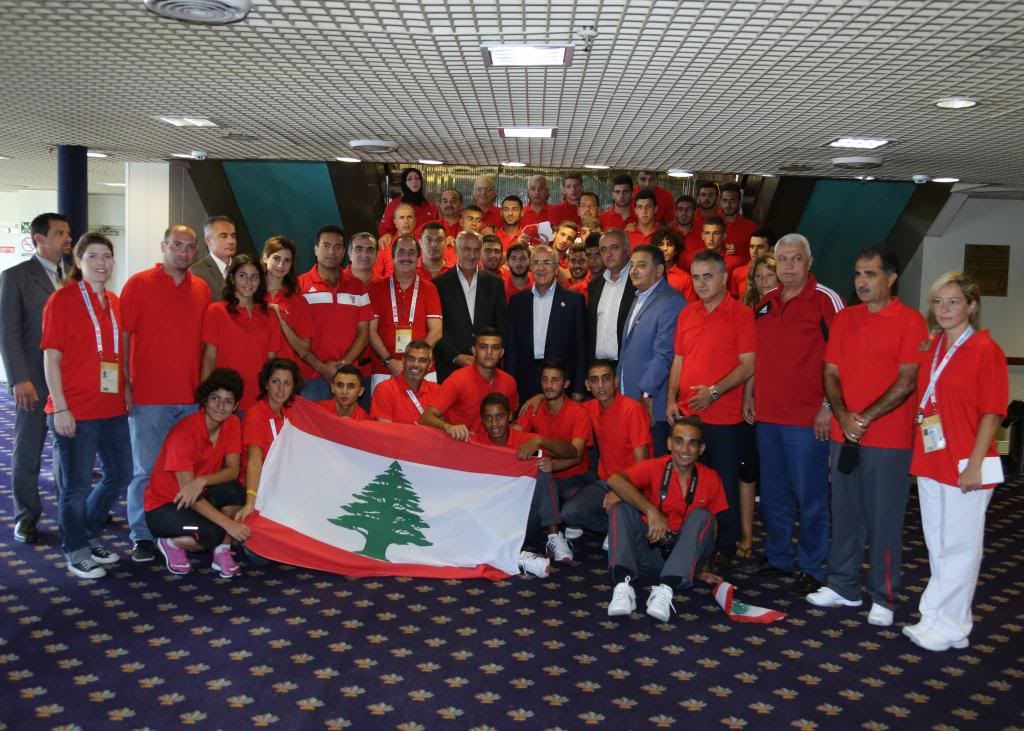 President Michel Sleiman meeting the Lebanese athletes