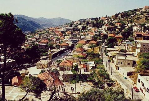 Hike the mountain, discover the old village and taste an untraditional Saj (Kfarqatra-Deir Al Qamar)