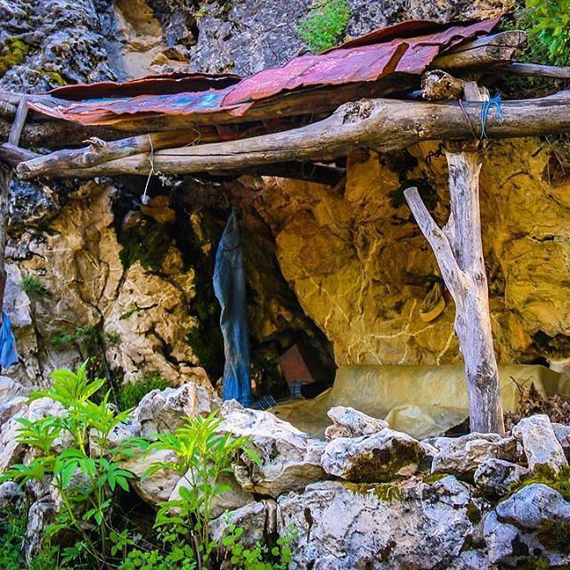 Shelter Inside a Mini Cave 🏕