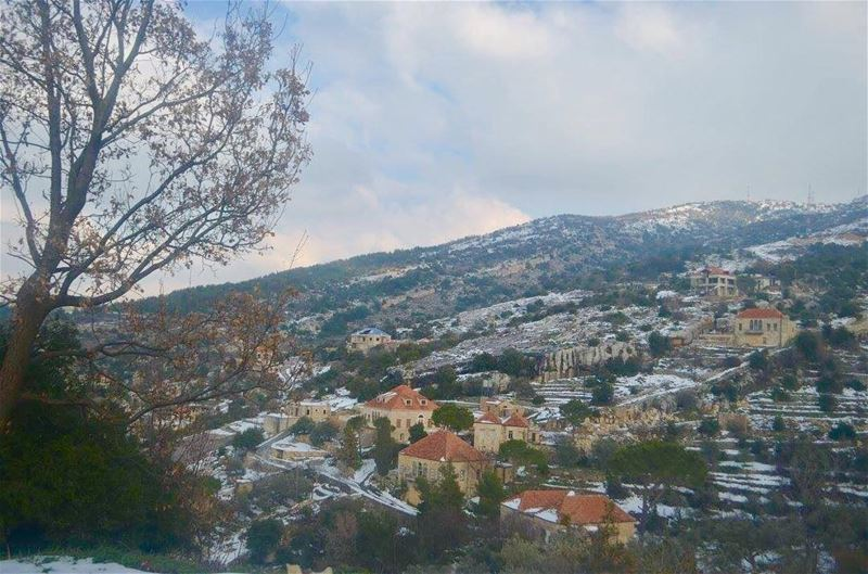 beautifulvillage  lebanese_nature  wintertime  lebanontimes ... (Hardine)