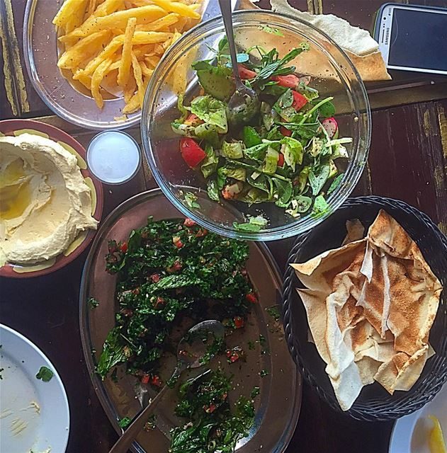 Lebanese on a friday 😋  food  delicious  fresh  lebanese  lebanon  hummus... (Tiger Restaurant)
