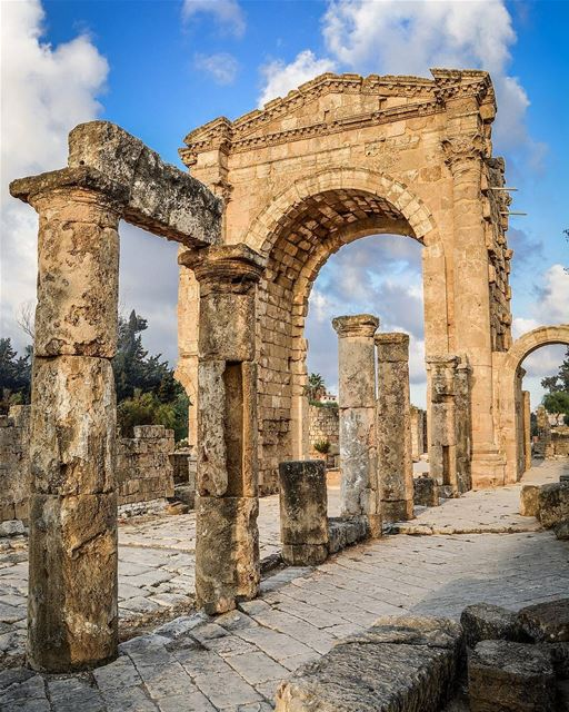 .The triumphal arch of Tyre.  livelovetyre @livelovetyre good morning and... (Tyre, Lebanon)