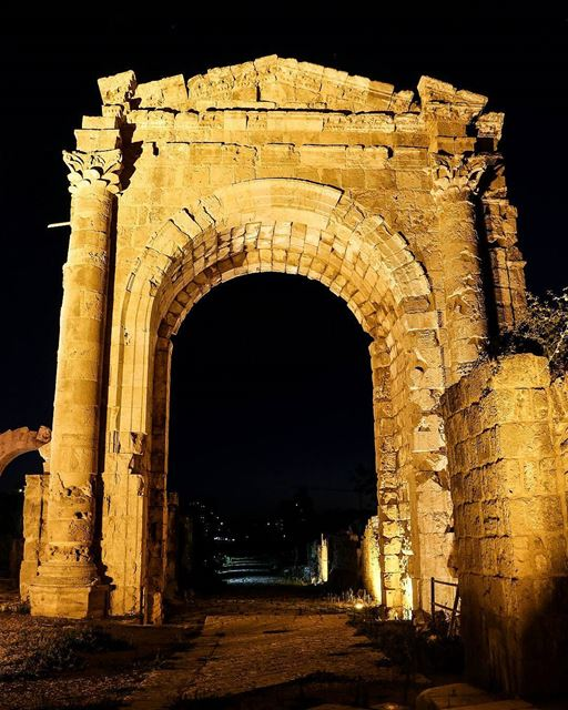 .The Triumphal Arch of Tyre at night, Lebanon. @livelovetyre........ (Tyre, Lebanon)