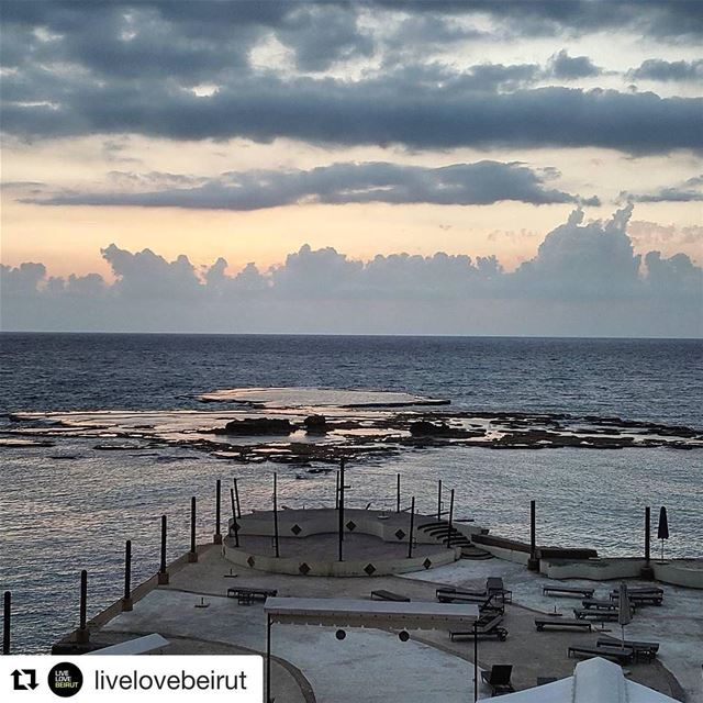 When @livelovebeirut is in the house, we get the best sunsets 🌅 (Byblos Sur Mer)