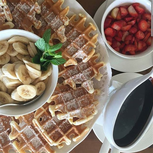 Something sweet to boost Monday Morning?by @repost_restaurant  waffle...