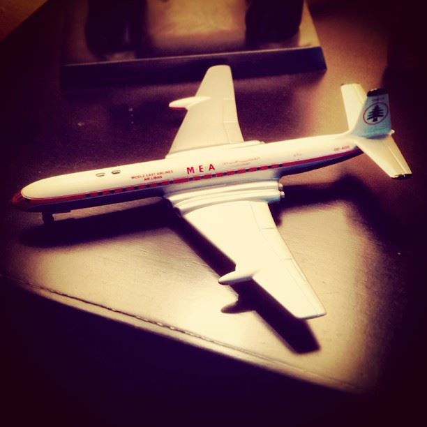 Heyday  models  design  display  dehavilland  comet  mea ...