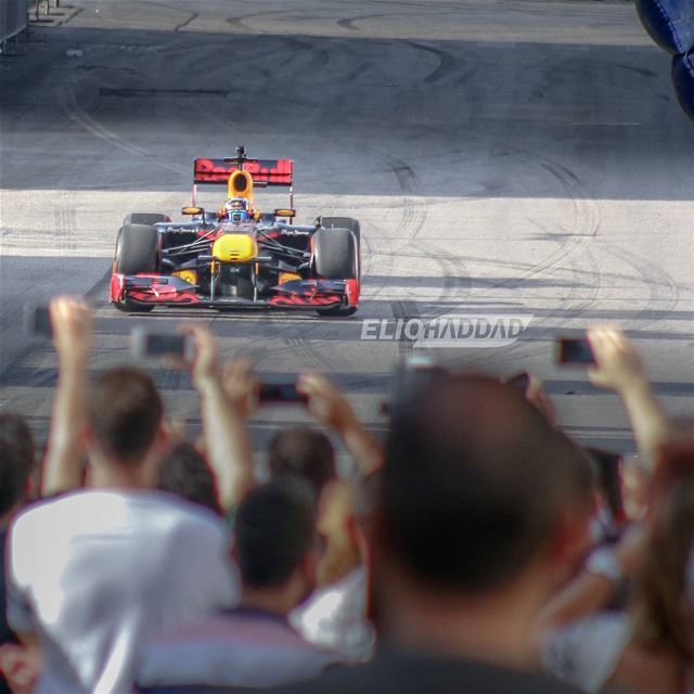 🏁From the RedBull F1 show yesterday.👈  RedBullF1Beirut  CarlosSainz ...