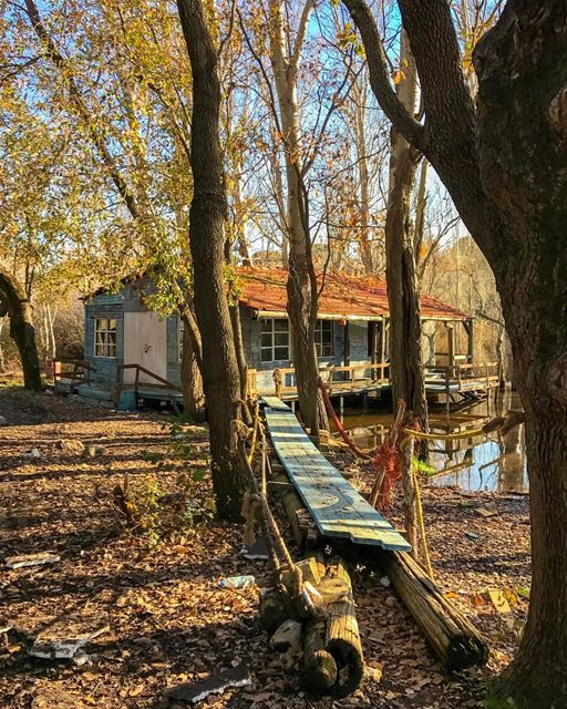 Morning from Aabdillé lake-house 🍂 ..This beautiful place is no longer... (Aabdillé, Liban-Nord, Lebanon)