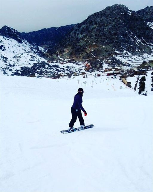 Literally high  snowboarding  snow  livelovelaqlouq  extremesports ... (Laklouk)