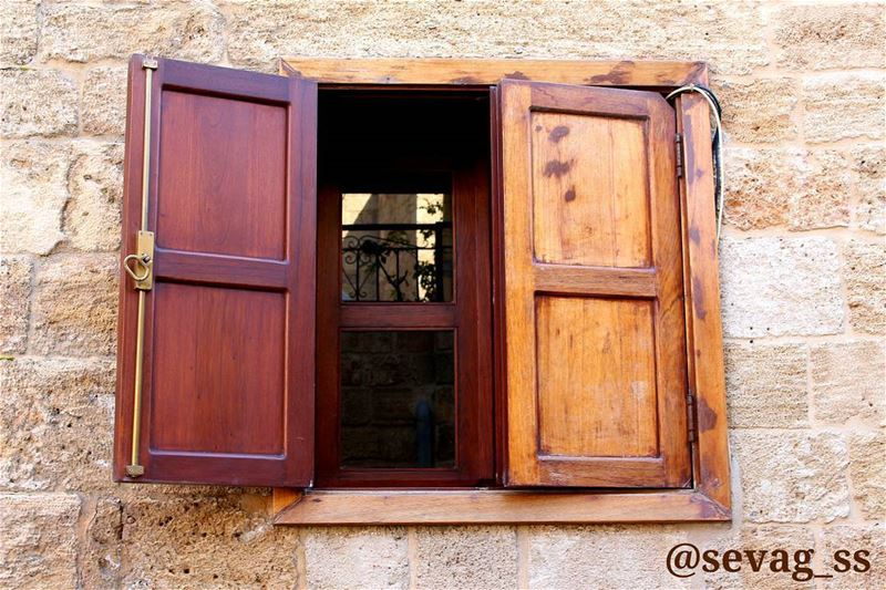Dont stare at the closed door too long, you'll miss the window opening!!... (Batroûn)