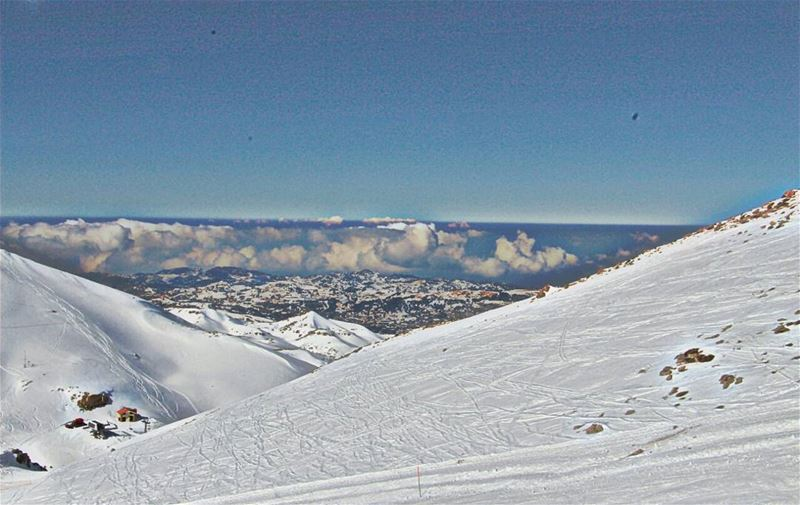 snowshowing  snow  clouds  blue  white  whitagram  mzaar2400m  lebanon ... (Mzaar 2400m)