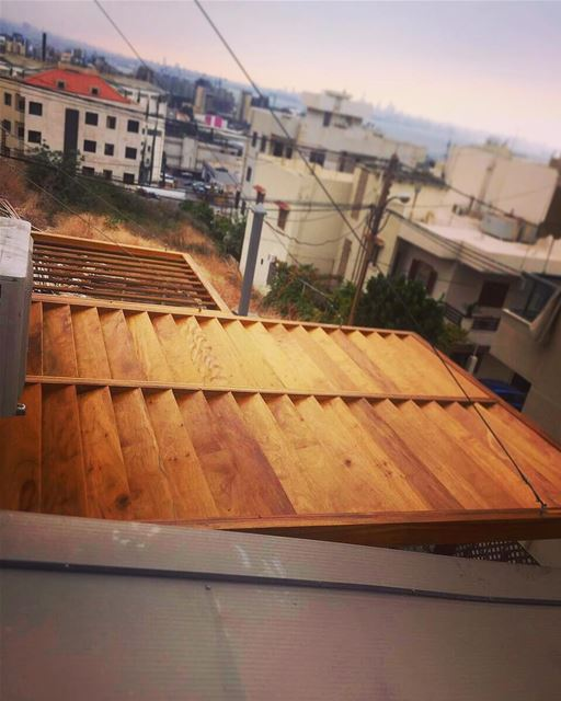 The difference between buildings with / without a wood pergola!!Custom... (Dbayeh, Mont-Liban, Lebanon)