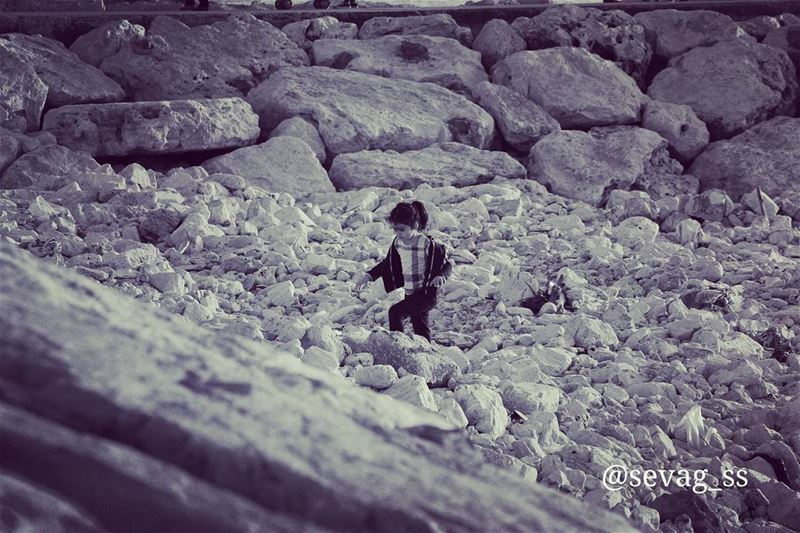 Time spent playing with children is never wasted. sunset  beach ... (Byblos - Jbeil)