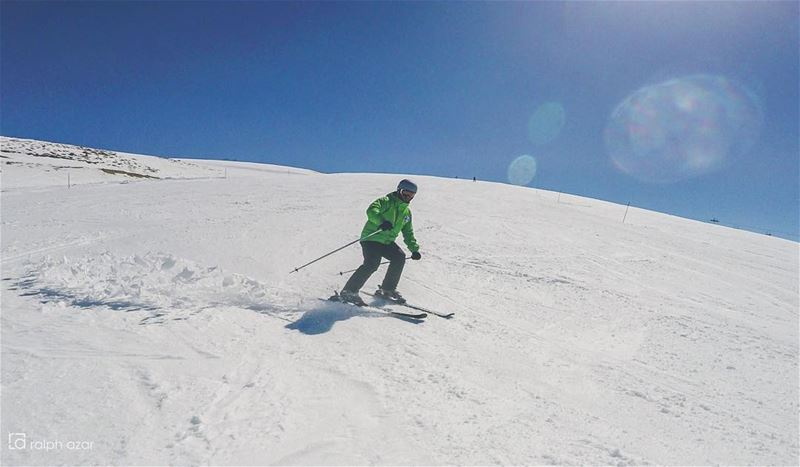 ⛷🌞Sunny days🌞⛷  snow  skiing  lebanon  livelovemzaar ..... ... (Mzaar Kfardebian Ski Resort)
