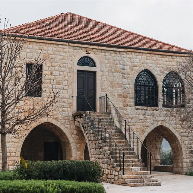 Wouldn't you want to live in a house like that ? lebanon  old  stone ... (Aramoun - Kesrouan)