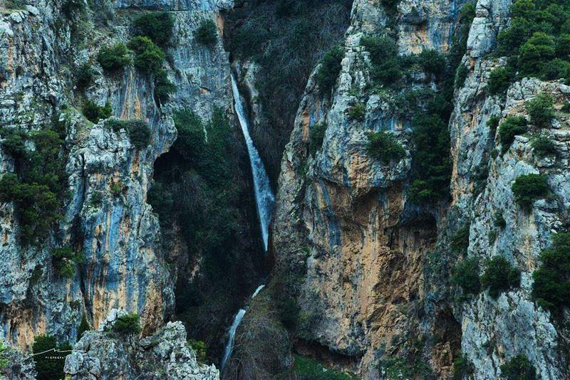 The loud sound of waterfalls 💦💦 (Wadi Annoubin)