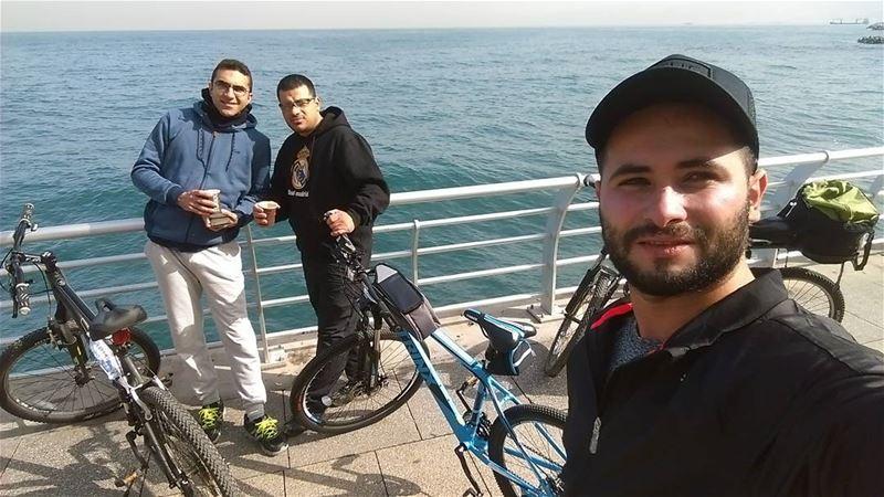 Morning ✌✌✌ sunday morning sunny sea beirut lebanon hello friends ... (Ein El Mreisseh)