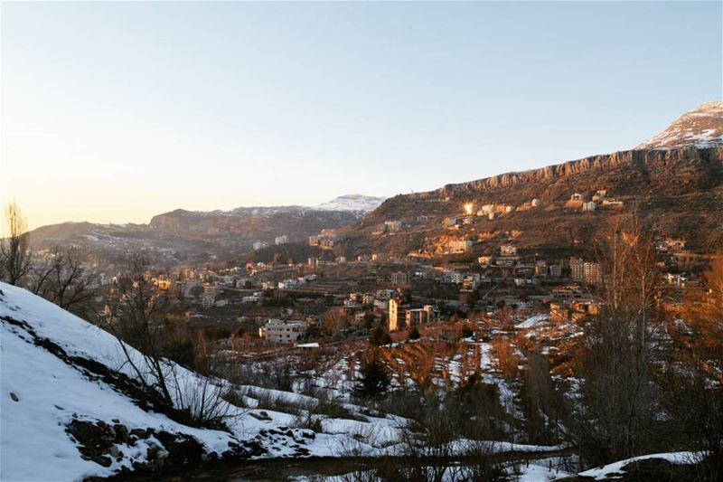 Rise And Shine 🌼 goodmorning beautiful people lastdaysofwinter ... (Faraya, Mont-Liban, Lebanon)