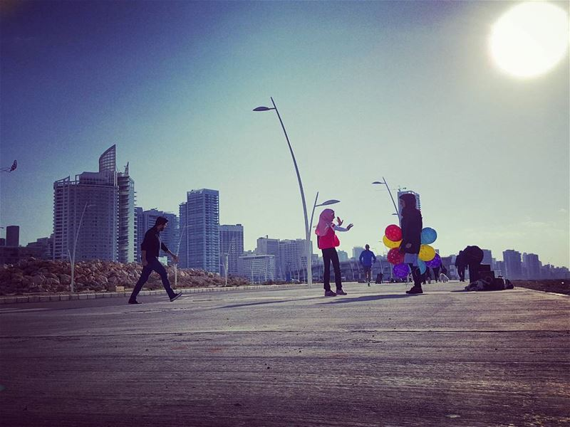 Sunday is everybody's Day..Funday..🎈Runday..🏃....Running and... (Beirut New Waterfront)