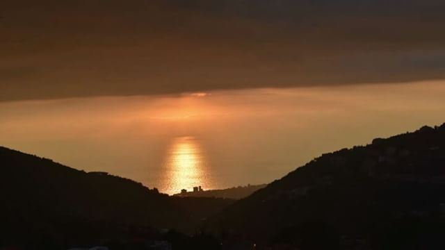 How today's  sunset from  aramoun uphills look like ... lebanon ... (Aramoun, Mont-Liban, Lebanon)