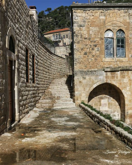 Historic...Deir El-Qamar.. Lebanon village Lebanese house mansion...