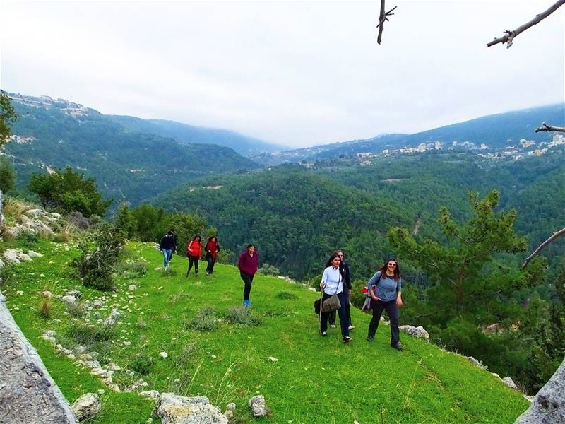 hiking explorelebanon picoftheday livelovelebanon naturephotography ... (Mazraat Et Teffâh, Liban-Nord, Lebanon)