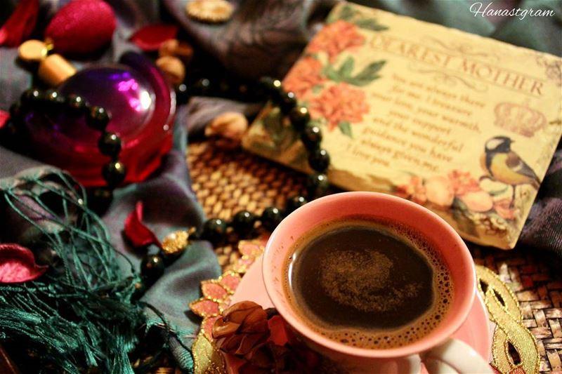 أحببتُك بقلب أم ...وفي قلوب الامهات لا يموت الحب ابداً ... قهوة_المساء قه