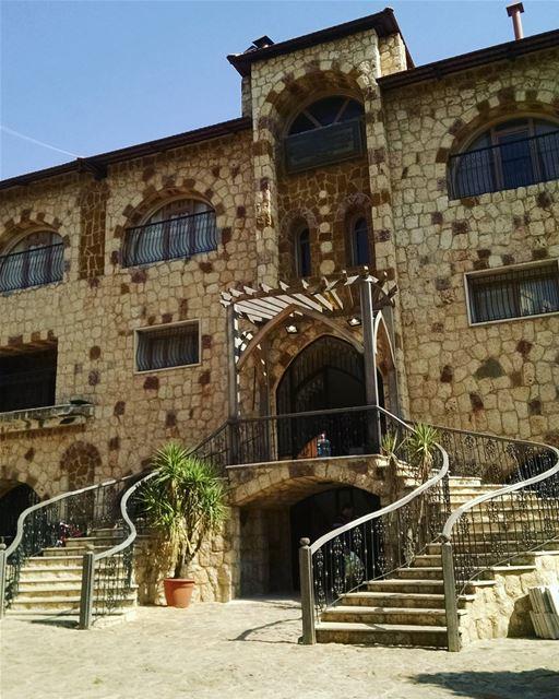 Эко деревня на севере Ливана. khanalsaboun ecovillage ecoville ... (Koura)