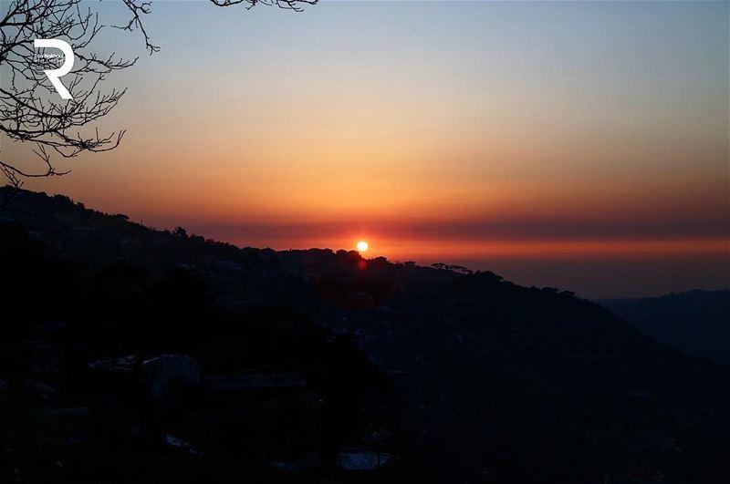 Every Sunset has an opportunity...👉👉 👇👇👇 lebanon beautifullebanon ...
