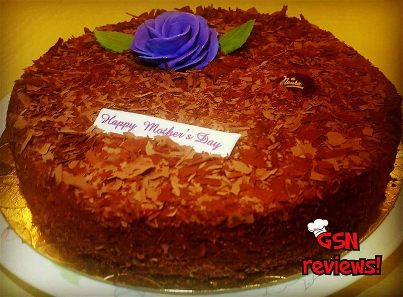 Maybe the best succes cake is the one prepared by patisserienoura ;... (Noura Patisserie Achrafieh)