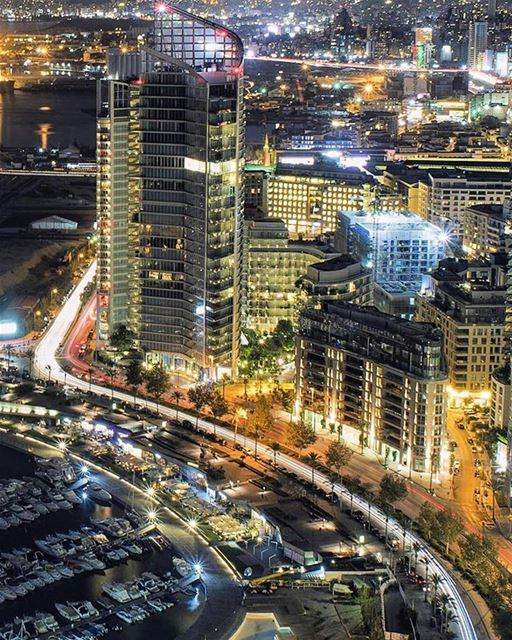 Good Night from Beirutتصبحون على خير من بيروت Photo taken by @libano_bras (Beirut, Lebanon)