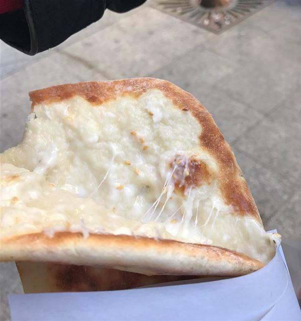lama el jebne ta3mil hek😍 mana2ish breakfast lebanon beirut ... (Cornish El Mazraa)