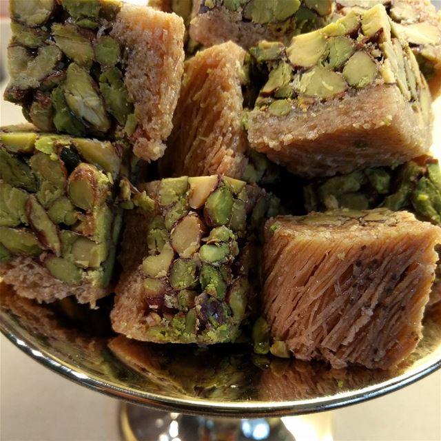 baklawah baklava sweet sweets sweetlovers❤❤❤ lebanesesweets ...