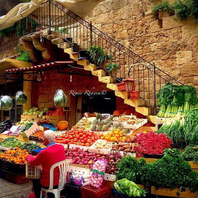 ~ Peaceful life 🍎🍇🍒🍍🍍🍋🍏🍎~ batroun colours fruits old souk---- (Batroûn)