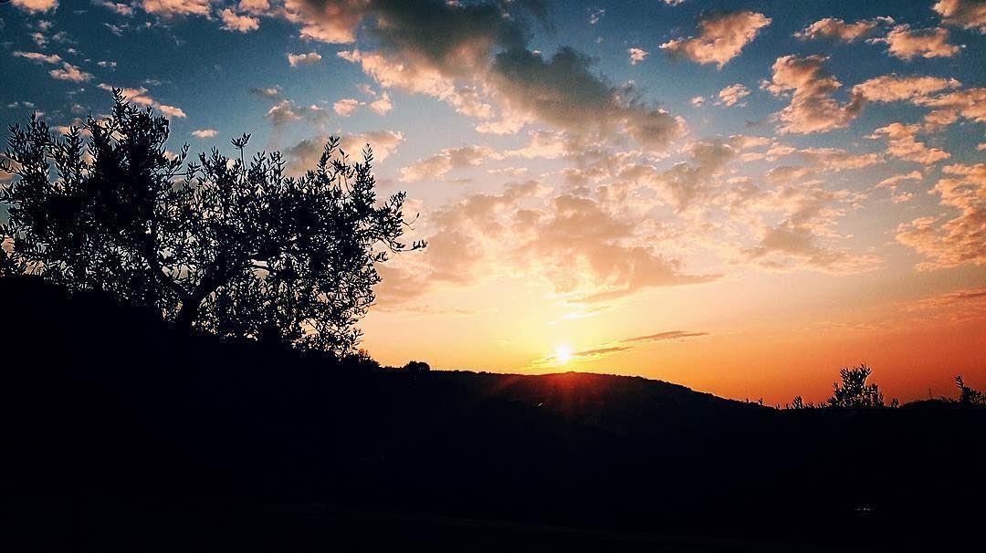 Good evening Lebanon 🌄 worldplaces beautifuldestination lebanon ... (Chabtîne, Liban-Nord, Lebanon)