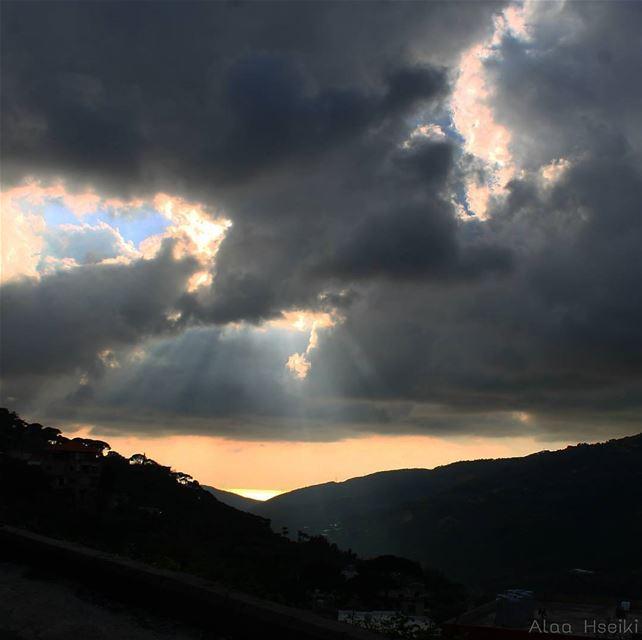 هناك.. حيث فسحة الأمل.. (Deir Koushah, Mont-Liban, Lebanon)