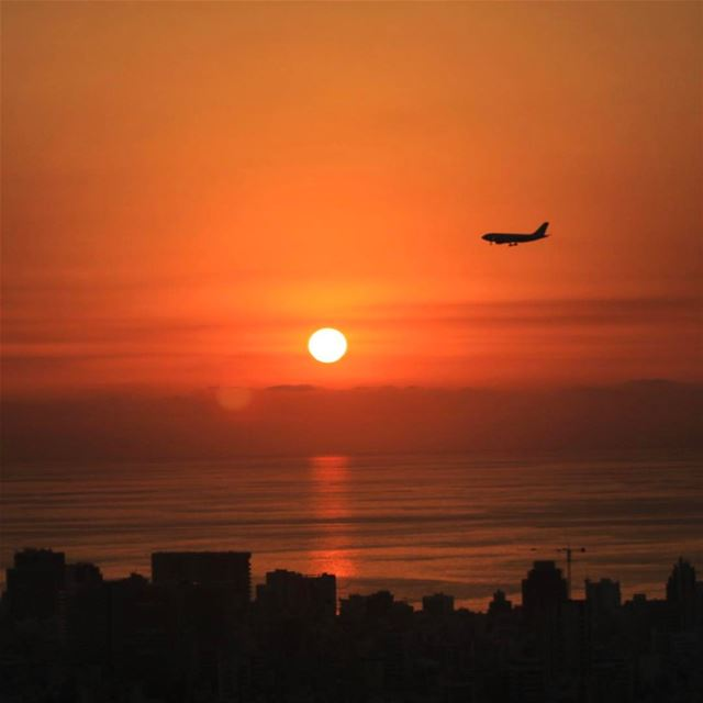 What a beautiful Sunset landing in Amazing Beirut travel traveler ... (Beirut, Lebanon)