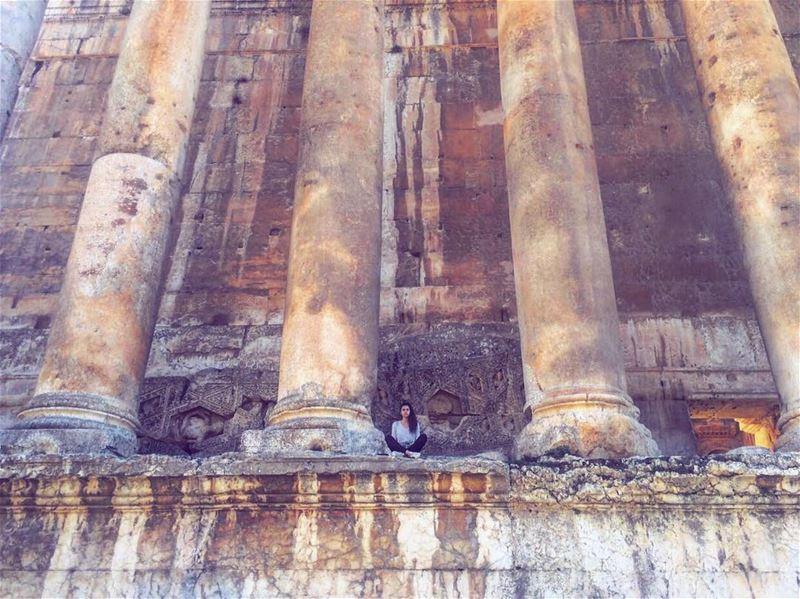 I don't feel so small🙅🏻 (Baalbek , Roman Temple , Lebanon)