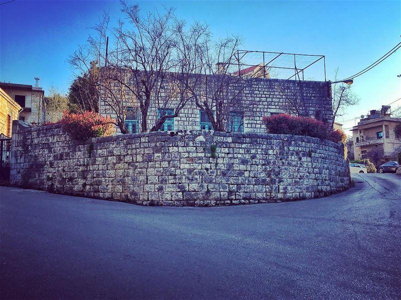 عالمفرق... (Bikfaïya, Mont-Liban, Lebanon)