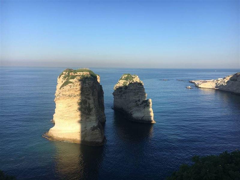 الروشة - بيروت(📷 محمد بريدي) Lebanon Beirut Raouche sea sky ...